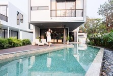 For Sale 5 Beds House in Mueang Chiang Mai, Chiang Mai, Thailand