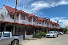 For Sale 3 Beds Townhouse in Bang Len, Nakhon Pathom, Thailand