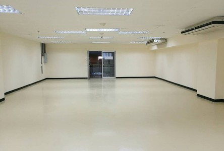 For Rent Office 124 sqm in Khlong Toei, Bangkok, Thailand