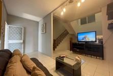 For Rent 5 Beds Townhouse in Huai Khwang, Bangkok, Thailand