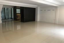 В аренду: Готовый бизнес 250 кв.м. в районе Khlong Toei, Bangkok, Таиланд
