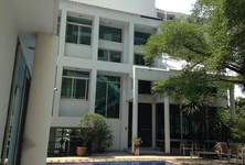 For Rent 3 Beds House in Ratchathewi, Bangkok, Thailand