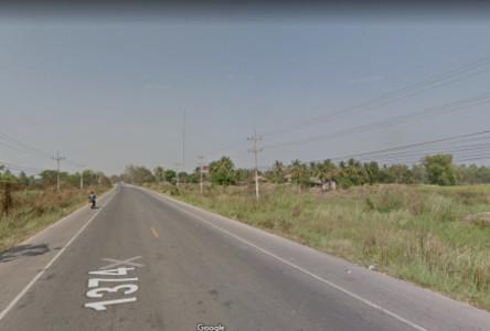 For Sale Land 27-2-58 rai in Taphan Hin, Phichit, Thailand