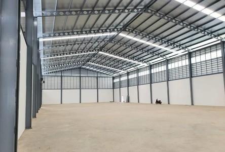 For Rent Retail Space 3,000 sqm in Mueang Samut Prakan, Samut Prakan, Thailand