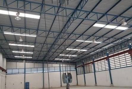 For Rent Retail Space 990 sqm in Bang Bo, Samut Prakan, Thailand