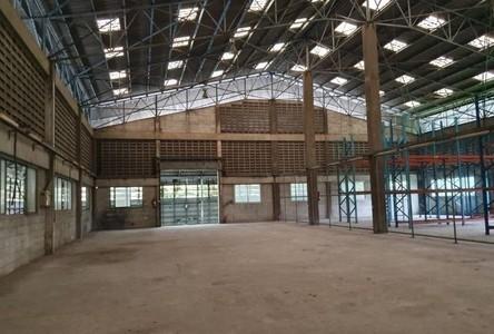 For Rent Retail Space 1,000 sqm in Mueang Samut Prakan, Samut Prakan, Thailand