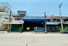 For Sale 5 Beds タウンハウス in Thanyaburi, Pathum Thani, Thailand