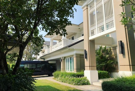 For Rent 5 Beds House in Bang Phlat, Bangkok, Thailand