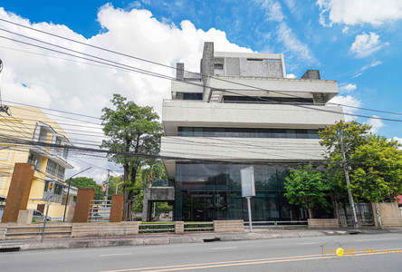 For Rent Office 261 sqm in Mueang Chiang Mai, Chiang Mai, Thailand