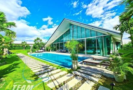 For Sale 11 Beds House in Hua Hin, Prachuap Khiri Khan, Thailand