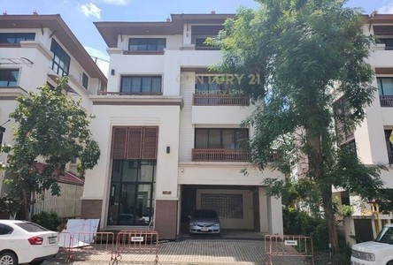 For Sale or Rent 2 Beds House in Wang Thonglang, Bangkok, Thailand
