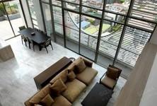 For Sale or Rent 4 Beds Condo Near MRT Sam Yan, Bangkok, Thailand