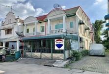 For Sale 2 Beds Townhouse in Mueang Samut Sakhon, Samut Sakhon, Thailand