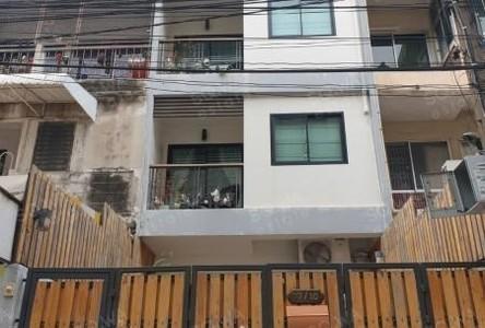 В аренду: Таунхаус с 6 спальнями в районе Khlong Toei, Bangkok, Таиланд