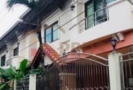 Продажа: Дом с 5 спальнями в районе Phra Khanong, Bangkok, Таиланд
