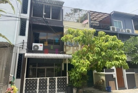 For Sale or Rent 2 Beds Townhouse in Khlong Toei, Bangkok, Thailand