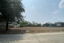 Продажа: Земельный участок 1,600 кв.м. в районе Phra Khanong, Bangkok, Таиланд