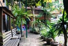 Продажа: Дом с 8 спальнями в районе Phra Khanong, Bangkok, Таиланд