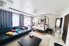 For Rent 4 Beds Townhouse in Yan Nawa, Bangkok, Thailand