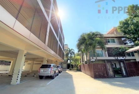 For Sale Retail Space 3,500 sqm in Phra Khanong, Bangkok, Thailand