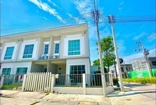 For Rent 4 Beds Townhouse in Si Racha, Chonburi, Thailand