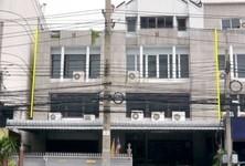 For Sale Retail Space 800 sqm in Phaya Thai, Bangkok, Thailand