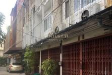 For Sale Retail Space 414 sqm in Thon Buri, Bangkok, Thailand