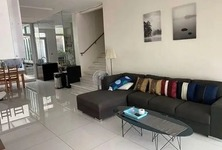 For Rent 3 Beds Townhouse in Chatuchak, Bangkok, Thailand