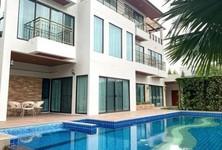 For Rent 6 Beds House in Huai Khwang, Bangkok, Thailand