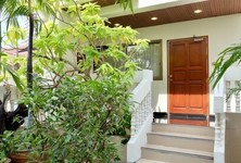For Rent 5 Beds Townhouse in Yan Nawa, Bangkok, Thailand