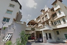 For Rent 4 Beds Townhouse in Chatuchak, Bangkok, Thailand