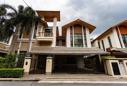 For Rent 4 Beds House in Pathum Wan, Bangkok, Thailand