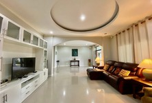 For Sale 4 Beds House in San Kamphaeng, Chiang Mai, Thailand