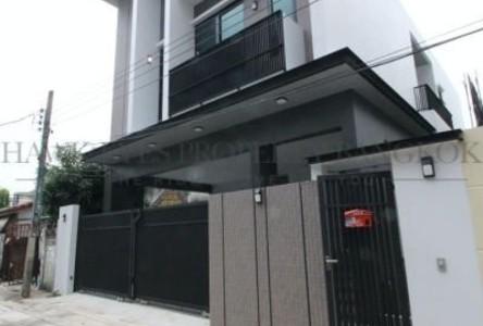 ขาย บ้านเดี่ยว 4 ห้องนอน วัฒนา กรุงเทพฯ