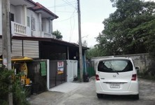 For Sale タウンハウス 110 sqm in Sam Khok, Pathum Thani, Thailand