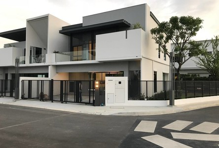 For Sale or Rent 3 Beds House in Ratchathewi, Bangkok, Thailand