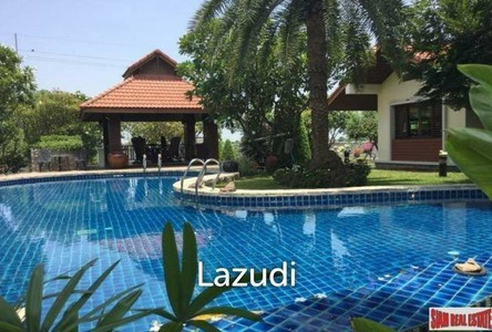 For Sale 6 Beds House in Mueang Nakhon Pathom, Nakhon Pathom, Thailand