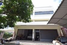 For Sale Retail Space 556 sqm in Thawi Watthana, Bangkok, Thailand