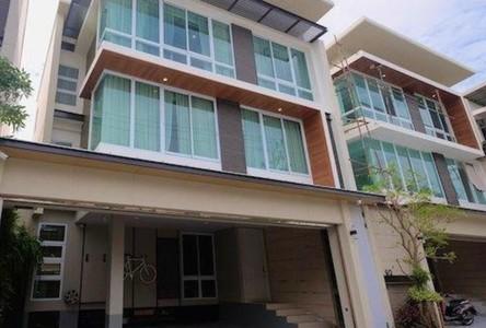 For Rent 3 Beds House in Huai Khwang, Bangkok, Thailand