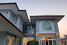 For Sale 3 Beds House in Mueang Suphanburi, Suphan Buri, Thailand