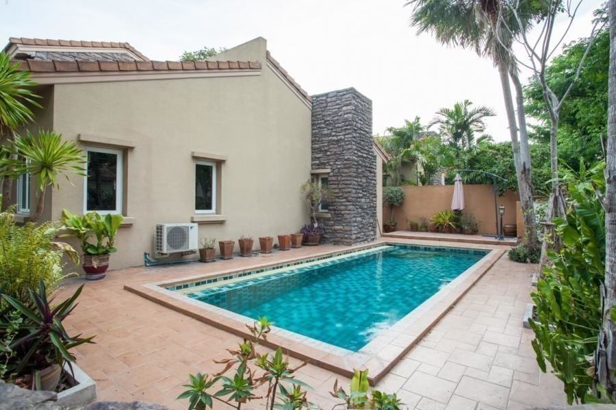 For Sale or Rent 3 Beds House in Bang Lamung, Chonburi, Thailand   Ref. TH-FHBIWPRI