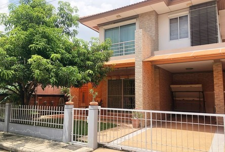 В аренду: Дом с 4 спальнями в районе Mueang Pathum Thani, Pathum Thani, Таиланд