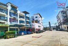 For Sale Retail Space 20 sqm in Bang Bo, Samut Prakan, Thailand