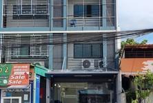 For Sale 3 Beds Townhouse in Mueang Saraburi, Saraburi, Thailand