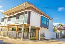 For Sale 3 Beds Townhouse in Mueang Ubon Ratchathani, Ubon Ratchathani, Thailand