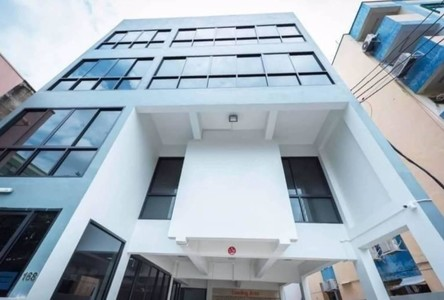 For Rent 7 Beds Townhouse in Huai Khwang, Bangkok, Thailand
