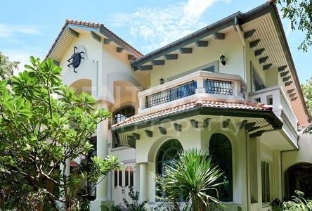 For Sale 5 Beds House in Mueang Samut Prakan, Samut Prakan, Thailand