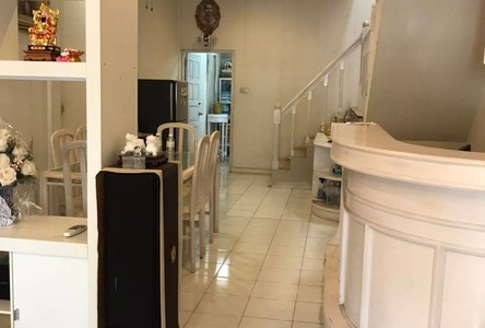 For Sale 1 Bed Townhouse in Chatuchak, Bangkok, Thailand