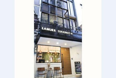 For Sale 5 Beds Shophouse in Watthana, Bangkok, Thailand