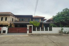 For Sale 8 Beds House in Lam Luk Ka, Pathum Thani, Thailand